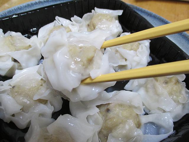 豚のあふれる肉汁にXO醤と葱油が香るザ☆シュウマイ