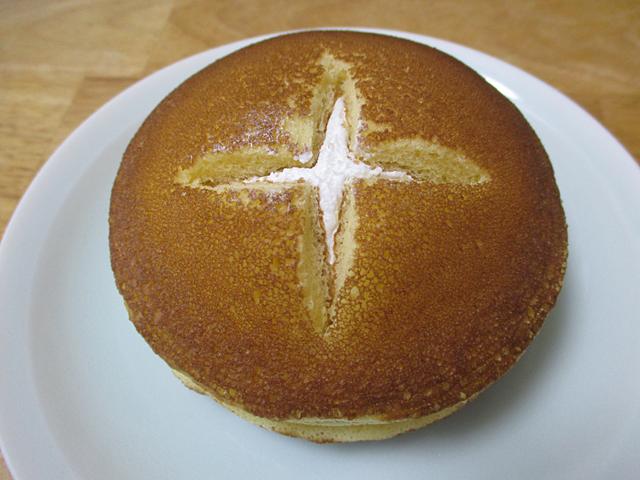 たっぷりホイップパンケーキ カスタード&ミルク