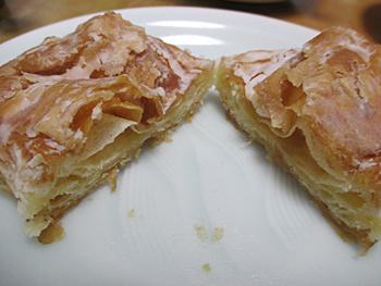 クロワッサンドーナッツ