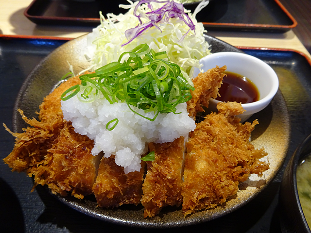 とんかつ松乃家武蔵新田店ロースカツ定食