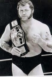 ハーリー・レイスとリック・フレアーといえば1980年代のNWAを争った関係だがレスラーとしてはレイスの方が男らしい