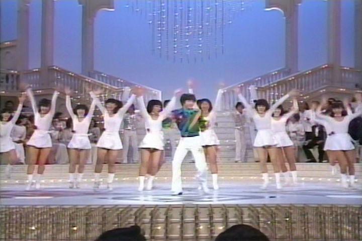 1980年の紅白歌合戦は紅組の司会が黒柳徹子で白組の司会は山川静夫だが出場歌手メンバーが渋いと話題になっている