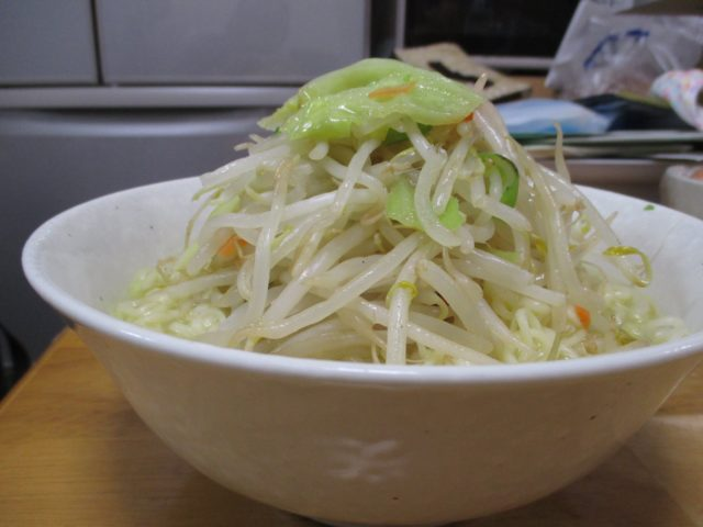 野菜はラーメン二郎風