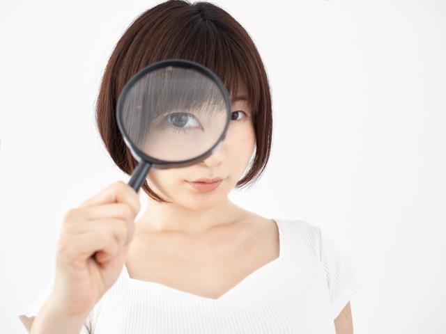 レーシックはひと頃近視矯正の絶対的な切り札のようにもてはやされましたが安全性やデメリットなどはきちんと確認を
