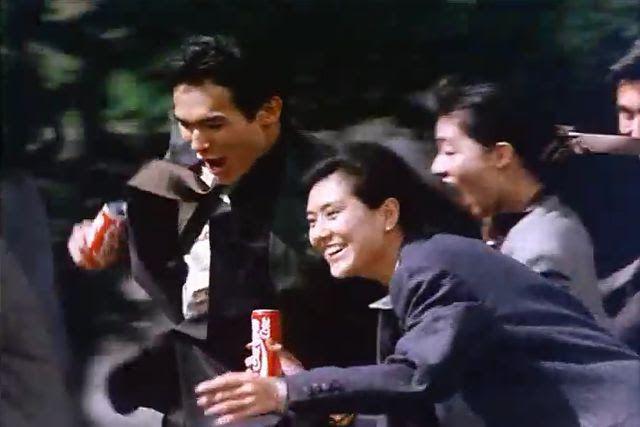 コカ・コーラが27年ぶりに値上げしたことで1980年代後半のCM『I feel Coke』のさわやかさ清々しさなどを思い出す