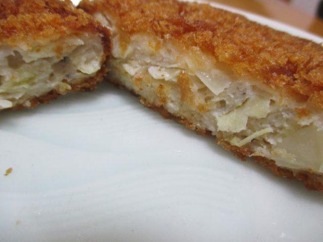 鶏&デリ(とりあんどでり)のまぐろメンチ