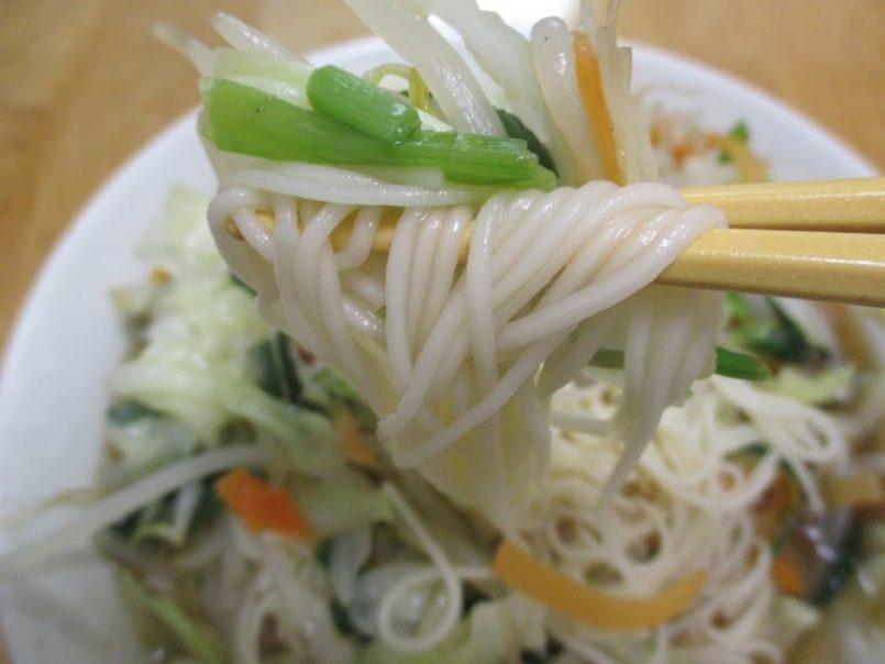 ヤサイソーラーメンは『孤独のグルメSeason4』第1話の『東京都清瀬市のもやしと肉のピリ辛イタメ』で紹介されました