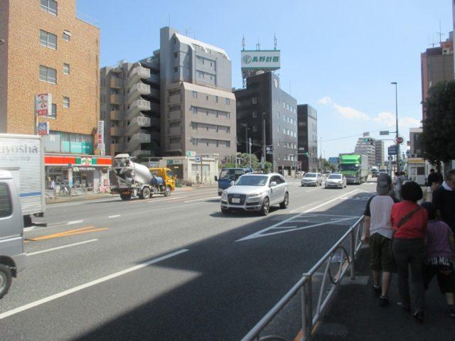 環状7号線(環七)の上を走っているのは、新幹線と横須賀線