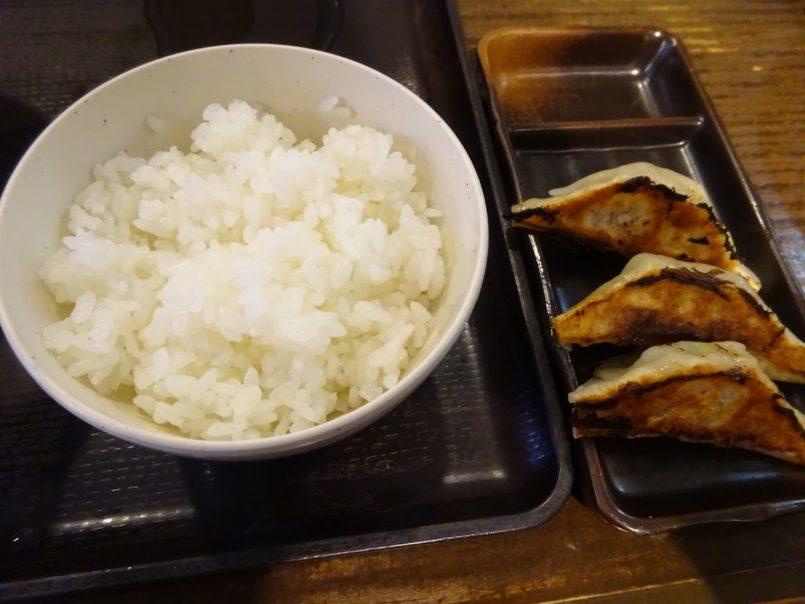 餃子3ケ+半ライス