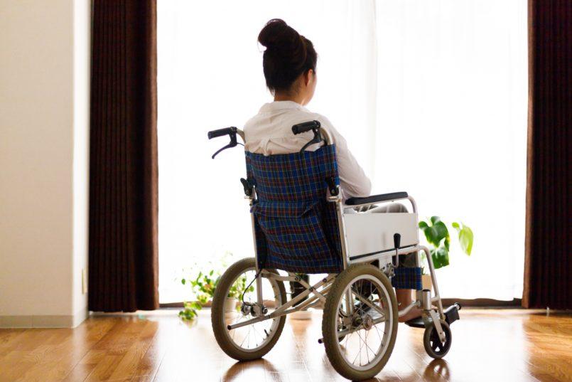「しょうがいしゃ」の表記は「障害」か「障がい」か「障碍」か。兵庫県宝塚市説なら「障碍者」、NHK説なら「障害者」