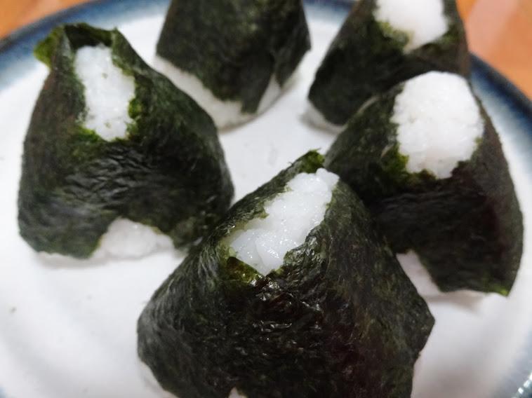 海苔といえば焼きのり?味付けのり?という話題がトレンド入りです。関東は焼き海苔全盛で、関西は味付け海苔が多いのだとか