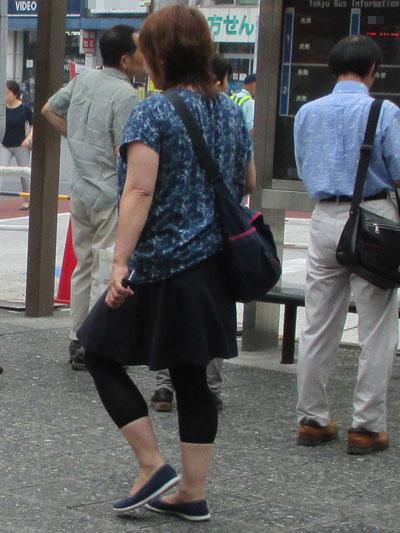 生足を見せずにスカートが履ける